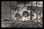 Enfants Malagaches à cheveux lisses
